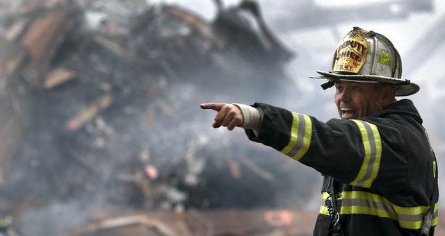 Petugas penyelamat nih. Sumber: Pexels