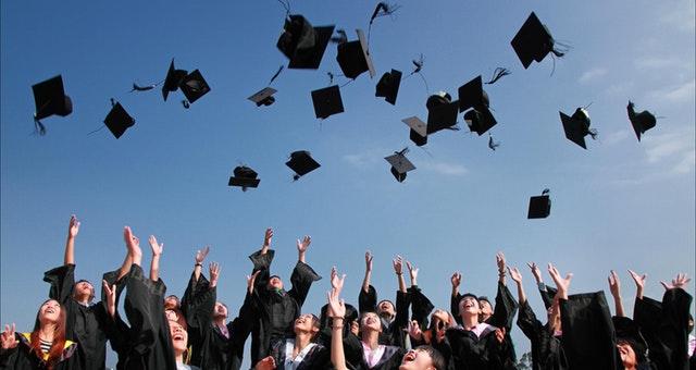 Gambaran mahasiswa lulus