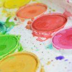 Ilustrasi cat yang merefresentasikan beragamnya hobi